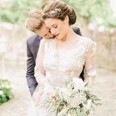 Wedding Sparrow is a dreamy fine art wedding blog that focuses on film photography. Its carefully curated Instagram feed is nothing short of stunning, emitting hints of boho, vintage, and romance. With shots of ethereal bridal dresses and gorgeous vistas, you'll get lost in a sea of artistry and creativity.