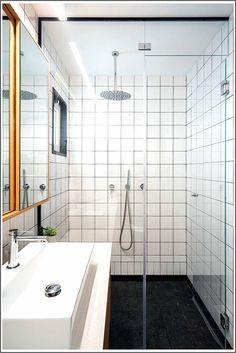 Il piccolo appartamento fonde gli spazi di vita e di lavoro in una casa  accogliente 2ca878b2b73