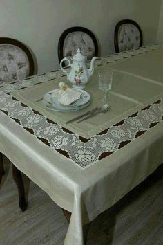 Tan Table Runner Table Decor With Lace Natural Linen Runner Living Table Linens In most homes, besides having the meals, dining is also a time when the entire Crochet Tablecloth, Crochet Doilies, Hand Crochet, Crochet Lace, Free Crochet, Dining Table Cloth, Table Linens, Fillet Crochet, Row By Row