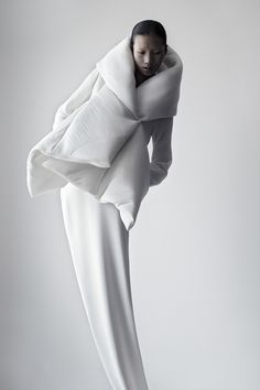 :: FASHION :: absolutely stunning! Featured on thisispaper   Qiu Hao F/W 2011 Serpens by Matthie Belin on thisispaper.com  #fashion