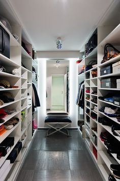 See a lot more ideas about Walk in Closet, Walk in closet layout and Bedroom ideas. We can aid you get the ideal walk-in closet to fit your needs. All of these aspects form the base for the design and the structure of the walk-in closet. Walk In Closet Design, Closet Designs, Closet Bedroom, Bedroom Decor, Master Bedroom, Closet Bench, Master Closet, Bedroom Ideas, Closet Lighting