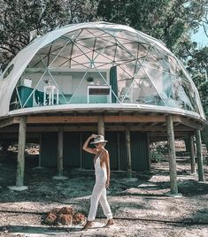 Summer fun with this dwell dome. Glamping, Geodesic Dome Homes, Monolithic Dome Homes, Bubble House, Dome Structure, Earthship Home, Dome Greenhouse, Dome Tent, Dome House