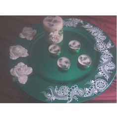 White henna designs on green  charger plate with white roses! Use it as a mehndi thaal for your henna event, candle holder, show piece in your kitchen or china cabinet, or use it to show off your yummy dishes! :)