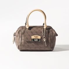 #newcollection #new #newproduct #newarrivals #fallwinter14 #fw14 #aw14 #autumnwinter14 #onlinestore #online #store #shopnow #fashion #womencollection #women #accessories #newaccessories #bag #bags #guess #guesscollection