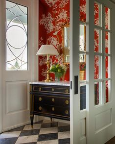 This Foyer by featuring a Louis XVI chest of drawers and a wonderful wallpaper by is a match made in… Design Entrée, Flur Design, House Design, Design Ideas, Foyer Decorating, Interior Decorating, Interior Design, Interior Ideas, Decorating Ideas