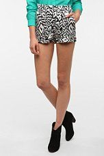 Ecote Soft Woven Pull-On Short