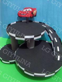 torre porta cupcakes cars -golosinero + 50 pirotines regalo
