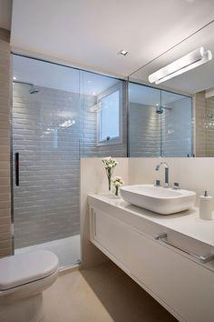 - Home Fashion Trend Bamboo Bathroom, White Bathroom, Small Bathroom, Bathroom Faucets, Bathroom Interior Design, Decor Interior Design, Interior Decorating, Bathroom Trends, Bathroom Lighting
