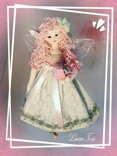 La fatina delle farfalle by Laura Tosi www.facebook.com/fattoconamorelaura #cucitocreativo #handmadewhitlove #handmade #bambole #butterfly #creativemamy #pink #
