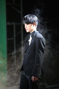 seventeen An Ode behind dino ディノ Woozi, Wonwoo, Jeonghan, Seventeen Album, Dino Seventeen, Pledis Seventeen, Hip Hop, Big Group, Kpop