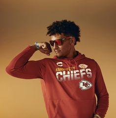 Chiefs Wallpaper, Football Wallpaper, Kansas City Chiefs Football, Nfl Football, Justin Fields, Chiefs Super Bowl, Bae, Travis Kelce, Hottest Guy Ever