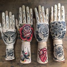 Four 41 North Manos Tattoo, Los Mejores Tattoos, Tattoo Apprenticeship, Tatto Ink, Sparrow Tattoo, Knuckle Tattoos, Wrist Tattoos For Guys, Traditional Tattoo Art, Tattoo Equipment