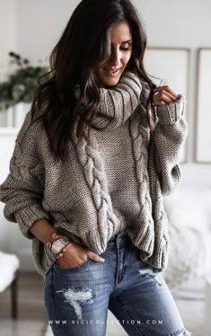 VICI + - Loving Aylin in our chunky knit sweater! We're obsessed with the fit of our Editor's Pick Cable Knit Sweater because it offers the warmth and feels of a cozy swe. Winter Sweaters, Cozy Sweaters, Cable Knit Sweaters, Chunky Sweaters, Cute Sweaters For Fall, Chunky Knits, Pullover Sweaters, Knit Sweater Outfit, Winter Sweater Outfits