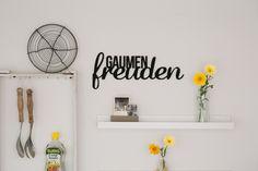 Buchstaben & Schriftzüge - Gaumenfreuden – Holzschriftzug - ein Designerstück von Taschenliebe bei DaWanda