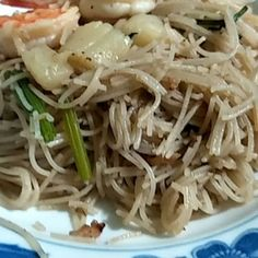 """""""Finally...... presenting Teochew White Bee Hoon https://www.youtube.com/watch?v=E-EvF5yF3vo #cookiness恩爱厨师 #fun #ALucasEvents #events  #Singapore #international  #lovetocook #cook #cooktolove #culinary #culinarycompetitions  #familybonding #family #wearefamily #Chef #humblechef #ilovemyjob"""" by @mag_mediacorp_a_lucas_events. #이벤트 #show #parties #entertainment #catering #travelling #traveler #tourism #travelingram #igtravel #europe #traveller #travelblog #tourist #travelblogger…"""