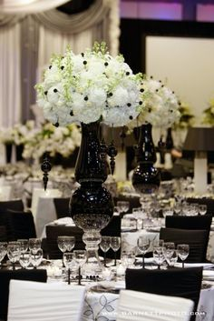 elegant b/w wedding reception decor