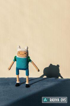 "Crochet Pattern of Finn from ""Adventure Time"" (Amigurumi tutorial PDF file)"