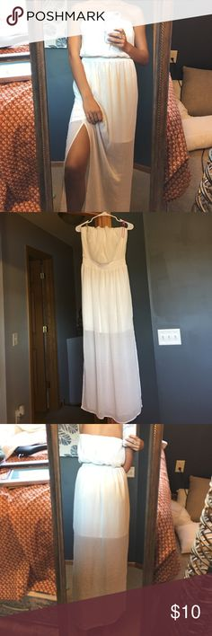 """White maxi dress (HARD TO PHOTO lol) Clips in photo are holding dress on the handed — This dress is so cute but looks silly on me bc I'm 5'9"""" and it doesn't hit the floor like it should. It's been worn one time by my friend and that's it. No stains or flaws, perfect for a beach day or lunch ☀️ Mossimo Supply Co Dresses Maxi"""