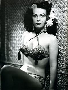 Tongolele.. Mexican burlesque dancer actress of the Mexican Cinema, born in 1932, she has starred in several films from 1940's through the 1980's http://www.hellabreezys.com/2010/07/tongolele.html