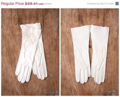 25% OFF SUMMER SALE 1950s Nos bridal opera gloves  by AgeofMint