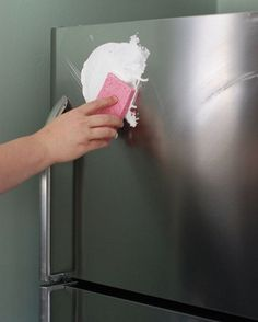 You don't need any expensive cleaners to make your stainless steel appliances shine like new! Just coat them with a it of shaving cream… Washing Windows, Paper Balls, Stainless Steel Appliances, Shaving Cream, Fun To Be One, Clean House, Tricks, Cleaning Hacks, Good Things