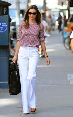 Miranda Kerr Photos - Model Miranda Kerr made her way out in New York City, New York on June 2012 and caught the attention of many fans and photographers in a red shirt and white pants. - Miranda Kerr Catches Attention From New Yorkers Skinny, Miranda Kerr Street Style, Looks Style, My Style, Look Formal, Street Style 2018, Street Chic, Victoria Dress, Mode Inspiration