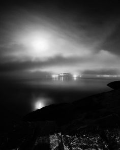 """262 likerklikk, 22 kommentarer – Kim André Hansen🇧🇻Bnw (@kiahans78) på Instagram: """"The moon covered by clouds.  Tags #bnwsignature #photography #bnw_nature #nighttimephotography…"""" White Photography, Northern Lights, Mountains, Black And White, Places, Nature, Pictures, Travel, Instagram"""