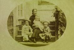 Princesa Isabel com seus filhos