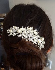 Hey, I found this really awesome Etsy listing at https://www.etsy.com/listing/239640244/wedding-hair-comb-pearl-bridal-hair-comb