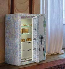 CONFORTI LUXURY SAFES  Cassaforte in madreperla Superlativa #luxury #safes #design #internaldesign #cassaforte #casseforti #MADEINITALY #madreperla