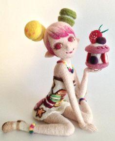 羊毛フェルト人形 マカロン女子☆|Craft Cafe(クラフトカフェ)