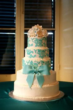 Tiffany Blue Stencil - by Danikapink @ CakesDecor.com - cake decorating website