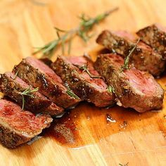 Rosemary Garlic Butter Steak + Tips for Cooking a Great Steak / VINTAGE KITCHEN