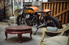 See some of my favorite builds - distinctive scrambler motorcycles like this Virago Cafe Racer, Cafe Racer Honda, Cafe Racer Shop, Cb 750 Cafe Racer, Cafe Racer Motorcycle, Scrambler, Cafe Racers, Cafe Racer Magazine, Brat Cafe