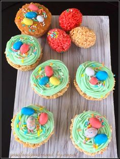 I decided to make some treats for my kids and co-works this Easter. The Rice Krispies Easter Treats-- T. Eat Happy, Eat Dessert First, Easter Treats, Easter Recipes, Rice Krispies, Happy Easter, Easter Eggs, Peeps, Vegetarian Recipes