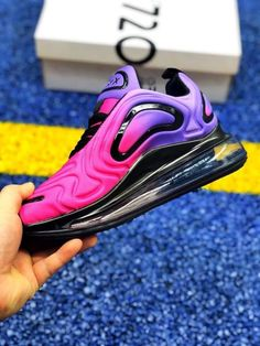 48 Athletic Shoes To Rock This Year Source by petpenufva Cute Nike Shoes, Cute Nikes, Pretty Shoes, Girls Shoes, Ladies Shoes, Custom Shoes, New Shoes, Casual Shoes, Air Max