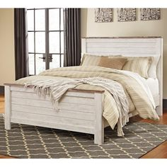 Signature Design by Ashley Willowton Two-Tone Queen Panel Bed in Washed White Finish with Rustic Top Trim