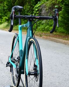 If you don't know about @chapter2bikes, you're missing out. They make gorgeous bikes.  #chapter2bikes #chapter2tere #roadbikes #cyclinglife