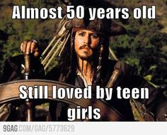 Funny pictures about Johnny Depp must be doing something good. Oh, and cool pics about Johnny Depp must be doing something good. Also, Johnny Depp must be doing something good. Johnny Depp, Here's Johnny, Captain Jack Sparrow, Jake Sparrow, Black Sails, Walt Disney Pictures, Disney Men, Disney Travel, Disney Magic
