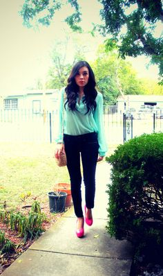 CLICK ON THE PICTURE to find out where she bought her outfit ! :) #fashion #women #style #clothes