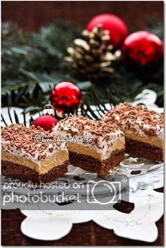 Prajitura cu ness si bezea Romanian Desserts, Romanian Food, Romanian Recipes, My Recipes, Dessert Recipes, Good Food, Yummy Food, Pie Cake, Pinterest Recipes