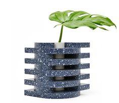 J Vase by Spadone Home - Sight Unseen Shop Indoor Farming, Home Decor Shelves, Glass Ceramic, Everyday Objects, Home Art, Terrarium, Flower Pots, Design Art, Man Pad