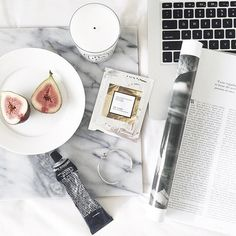 Healthy morning rituals to start the day ☀ @maddvv #flatlay #flatlayapp