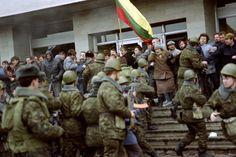 VDV troops attempt to break up protesters in Vilnius 1991.