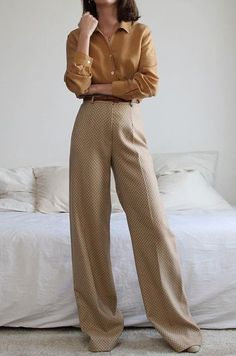 Us sommerswim for more daily inspo s o m m r s w i m minimalistic luxe swimwear by anna maria sommer oversized black blazer with white trousers and nude heels minimalisam fashion French Fashion, Look Fashion, Korean Fashion, Autumn Fashion, Vintage Fashion, 90s Fashion, Fashion Quiz, Workwear Fashion, Womens Fashion