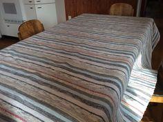 Catàlogne de lit simple tissée sur métier 2 cadres centenaire Lit Simple, Rag Rugs, Weaving Patterns, Spinning, Loom, Inspire, Blanket, Inspiration, Home Decor