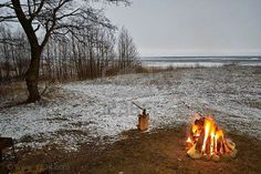 Building a Fire in the Snow | The Detroit Lake Lodge