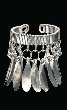 Bracelet   Alexander Calder. Silver. ca. 1940    Est. 80'000 - 120'000$ ~ Sept '15