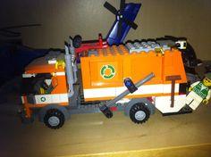 Construcciones Lego (6 a 12 años): Aviones, camiones y vehículos principalmente construidos con lego.  Causa beneficiada: Tú puedes salvar una vida