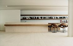<p>This residence located at Avenida Atlantica in Rio de Janeiro is the creation of forward-thinking Studio Arthur Casas. Featuring a modern, contemporary style that accentuates Brazilian culture with